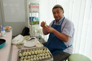 07_パラダイス山元さんと餃子作り